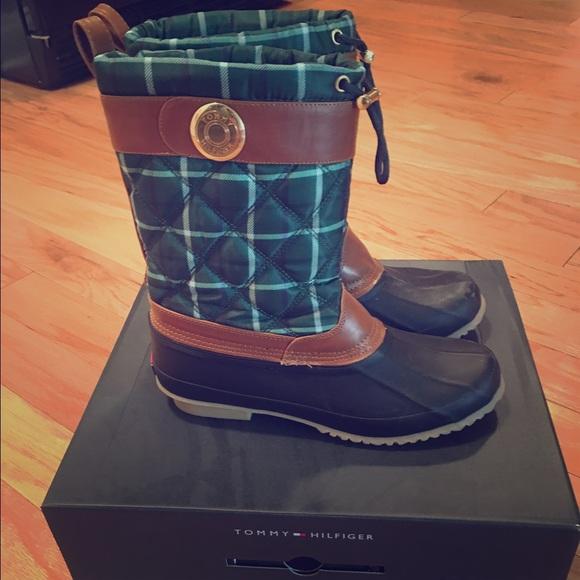 f153d39e88ad Tommy Hilfiger green plaid duck boots. M 57eadf754e8d17778600156f