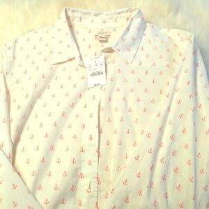 White JCrew button-down shirt with pinkish anchors