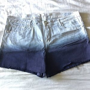 Reign Pants - Cute shorts!