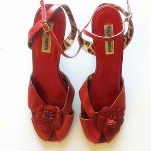 Steve Madden Shoes - Steve Madden Flower Heels