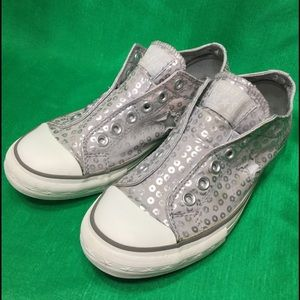 3668f3030ede Converse Shoes - CONVERSE ONE STAR silver slip on circles . 38 7.5