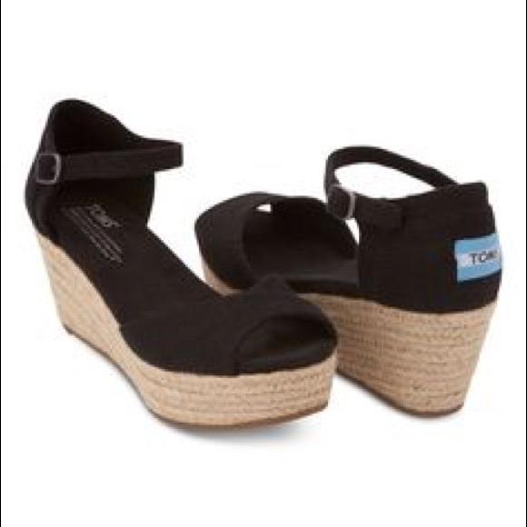 e897e7bd43d TOMS Platform Wedge Sandals. M 57eb13b15a49d09461001bab