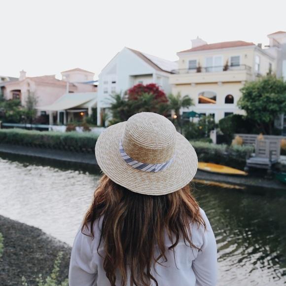 Accessories - Cream Straw Hat