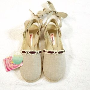 Cienta Other - NWT Girls Sandals