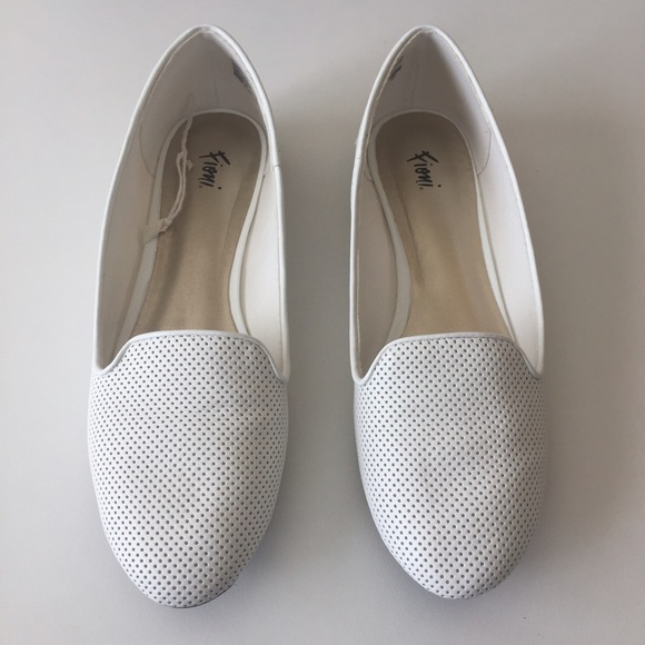 1f50cefc9259 Fioni Shoes - Fioni White Flats - Work or Casual