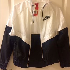Brand New Nike Windrunner Windbreaker Jacket
