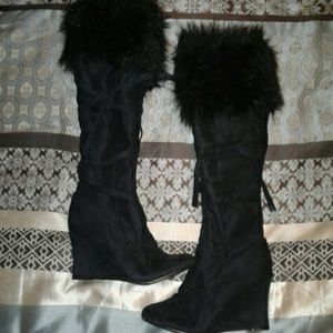 191 Unlimited Shoes - 6 1/2 BOOTS WITH THA FUR!!!