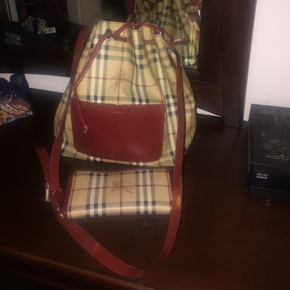 Burberry Handbags - 100% authentic Burberry purse and wallet ...