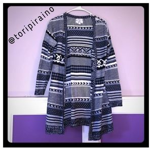 NWOT!! Long, patterned sweater! Size small!