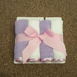 Hudson Baby Other - 4 wash cloths!!
