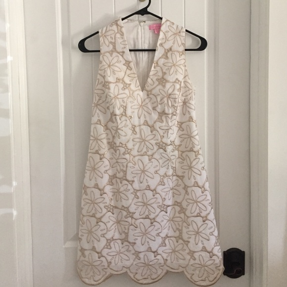 7aa1eca407 Lilly Pulitzer Dresses   Skirts - Lilly Pulitzer Estella shift sand dollar  dress
