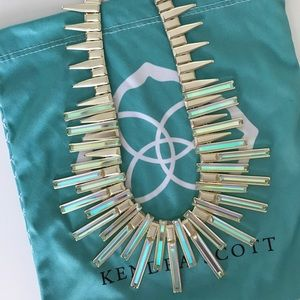 Kendra Scott Jewelry - Kaplan Gold Statement Necklace in Dichroic Glass
