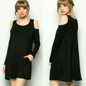 Dresses & Skirts - RESTOCKED! 🎉HP🎉 Cold Shoulder Dress
