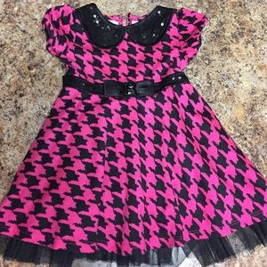 Youngland Other - EUC cute black and pink dress 2T