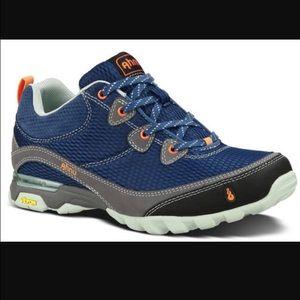 ahnu Shoes - AHNU SUGARPINE DARK BLUE.Without box