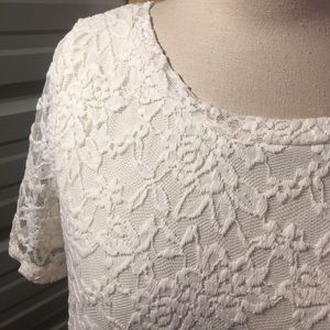 Dresses - NWOT off white lace dress, large
