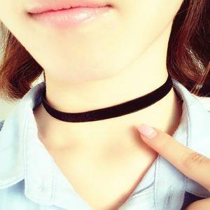 Jewelry - Black velvet choker necklace 1cm wide