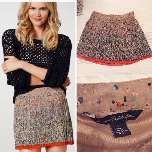 7e4cb6cf78 American Eagle Outfitters Dresses & Skirts - American Eagle pleated floral  mini