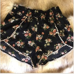 Urban Outfitters Pants - True Love Floral Short