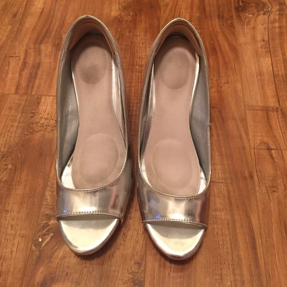 65% off DSW Shoes - DSW size 10 Lucite heel silver pump ...