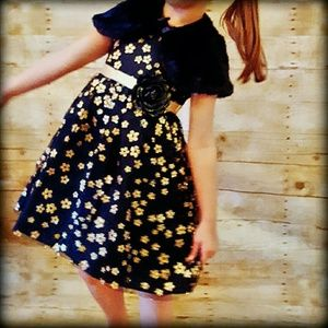 Youngland Other - 📮NEW Holiday 5 Dress Shrug Cape Gold Sparkle