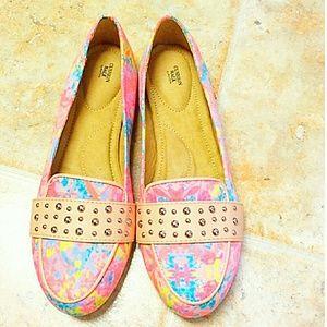 Avon cushion walk shoes
