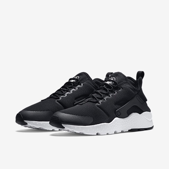 competitive price dd9db 18fed Nike Air Huarache Run Ultra Black Women Shoes Sz 8.  M 57ec86c4c6c7956d3100595b