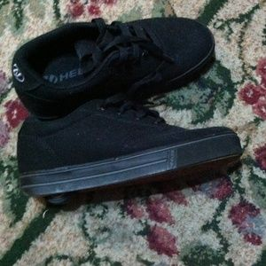 HELLYS skate shoes