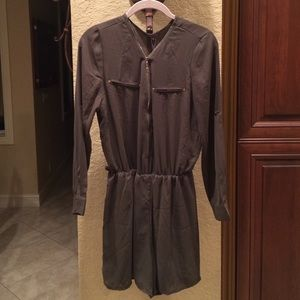 Gracia Other - Adorable hunter green chiffon like romper. NEW!!!!