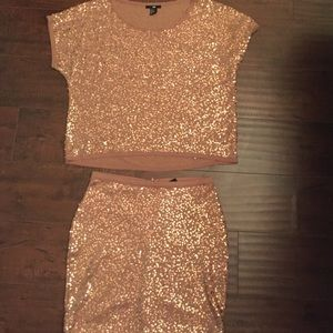 ⚜H&M ROSE GOLD SEQUIN TOP AND SKIRT SET⚜