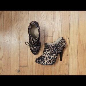 Forever 21 Leopard Bootie Heels Size 6