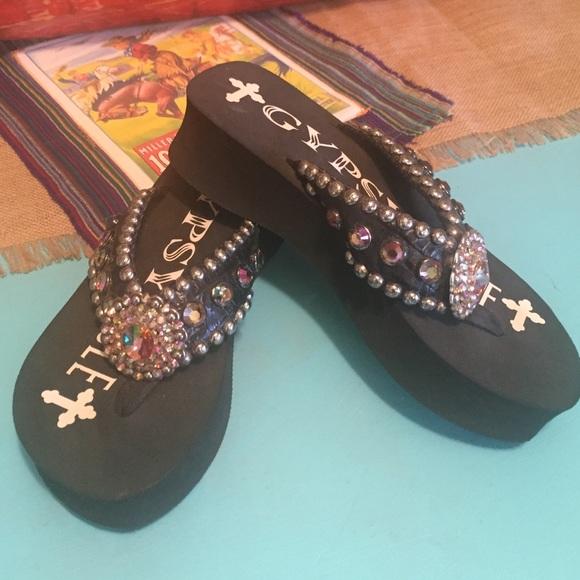 b2b5ef31bd6a4e gypsy soul Shoes - Gypsy soul flip flops! Never worn!
