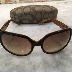 Coach Patricia  s440 tortoise frame sunglasses