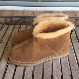 Women's Cabelas Tan Suede & Sheep Skin Ankle Boots