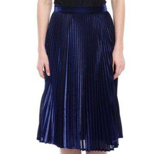 Style Mafia Dresses & Skirts - Green pleated midi skirt