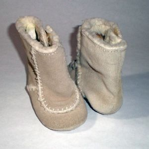 Other - Leather baby unisex moccasin winter booties sz 1