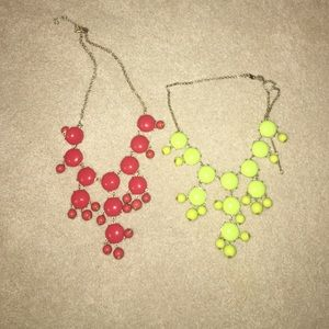Lot of two statement necklaces