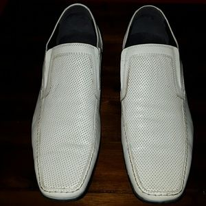 Kenneth Cole Reaction Other - Men's white slip-on shoes by KennethCole Reaction