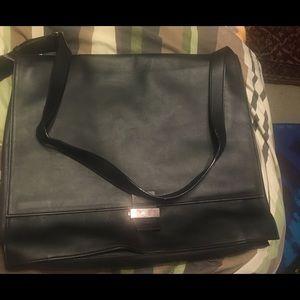 Gucci Handbags - Beautiful laptop bag