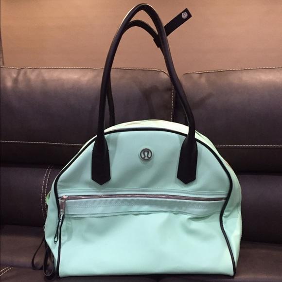 51e82e150a lululemon athletica Handbags - Lululemon gym bag