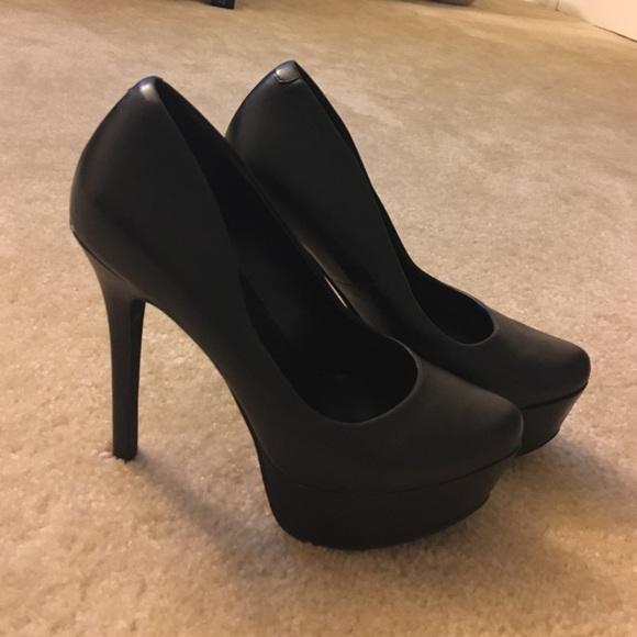 b44fa631cb5 👠 Jessica Simpson Black Leather Waleo Pumps