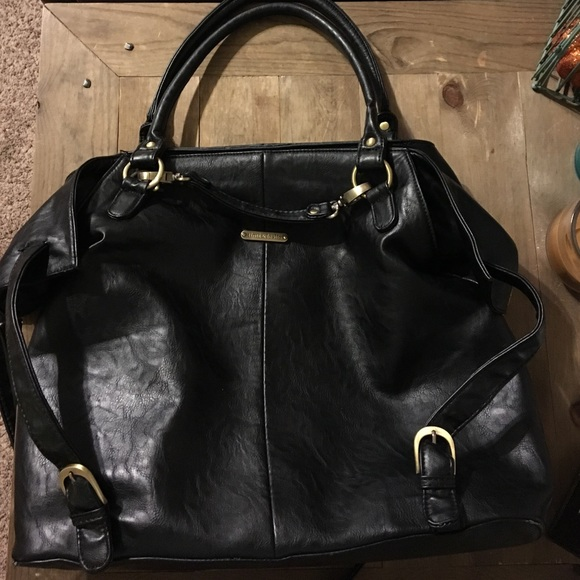 60 off handbags timi and leslie charlie diaper bag from jay 39 s closet on poshmark. Black Bedroom Furniture Sets. Home Design Ideas