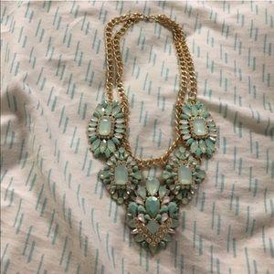 Jewelry - NWOT pretty necklace