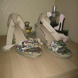 Colorful floral Wedges with ties  size 7/7.5