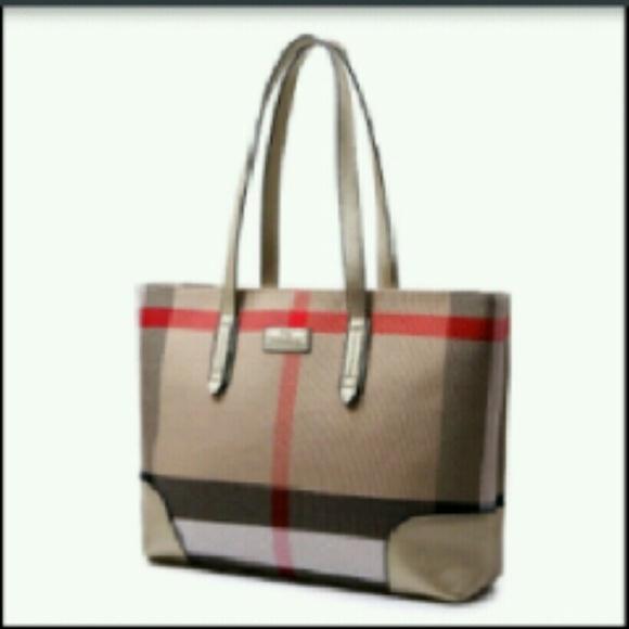 698af450c9e9 Handbags - New classic bag Burberry style ( not Burberry)