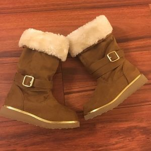 Other - Stylish girls winter boots!