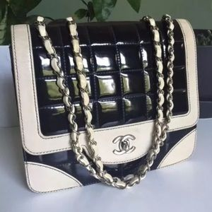 Chanel Vintage monochrome classic flap bag handbag