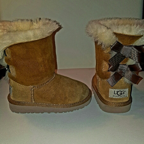 UGG Girls' Toddler Bailey Bow Boots in Chestnut