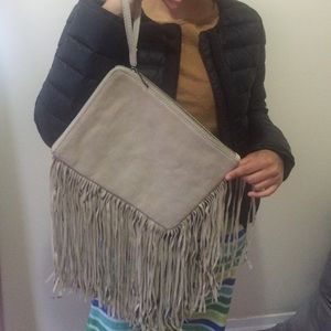 Zara Handbags - ❤️❤️lovely leather club with fringes