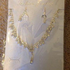 Fashion jewelry with rhinestones